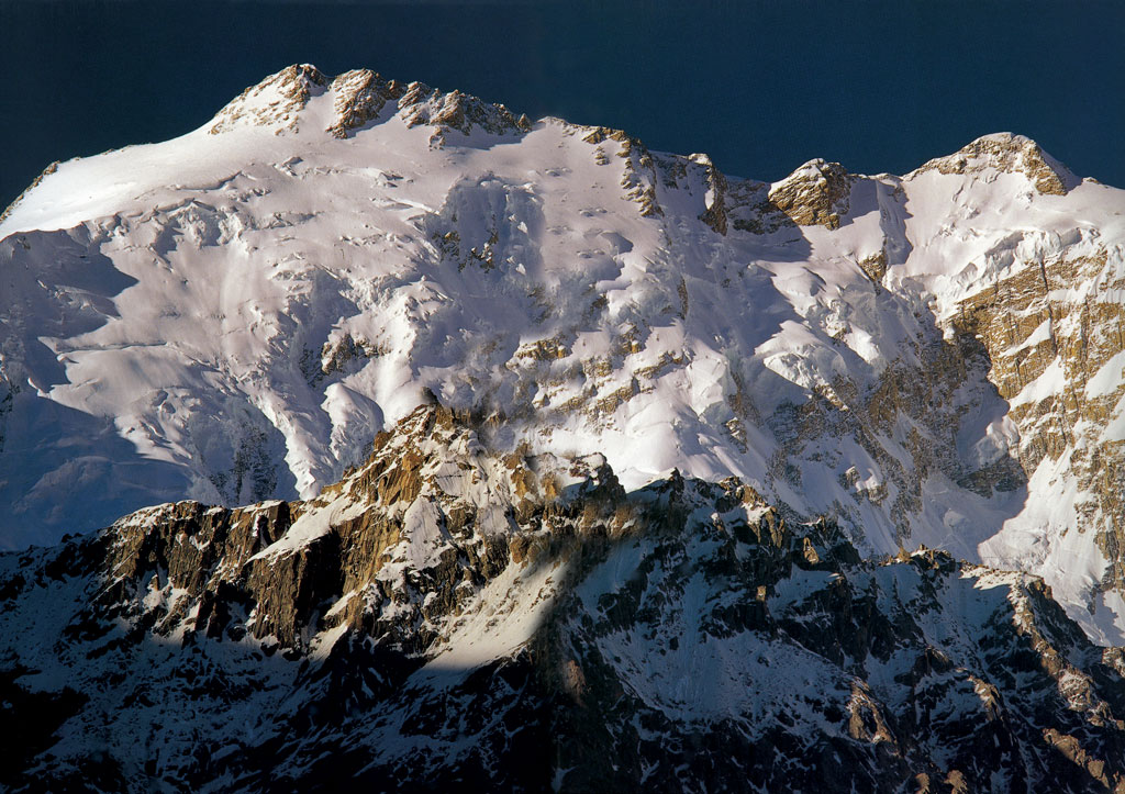 Distaghil_Sar_Peak_7885.jpg